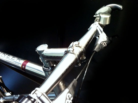 Van Nicholas titanium stuur en bel